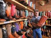 Bunt ist das Stiefelangebot in Stockyards City. <br>© Kansas and Oklahoma Travel and Tourism