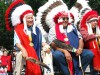 Die Peace Chiefs mit ihrem Federschmuck beim Red Earth Festival in Oklahoma City. <br>© Kansas and Oklahoma Travel and Tourism